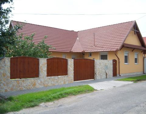 Jászberény, családi ház