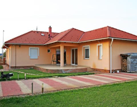 Családi ház Szolnok kertvárosában II.