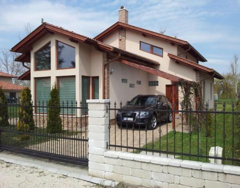 Családi ház a Balaton mellett